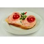 Chlebíček šunkový de luxe na vlašském salátu