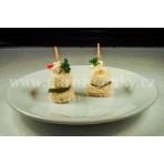 Chuťovka - jednohubka s česnekovou koulí