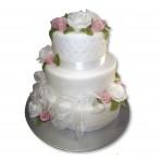 Svatební dort - Třípatrový vyšší s růžemi a látkovými stuhami