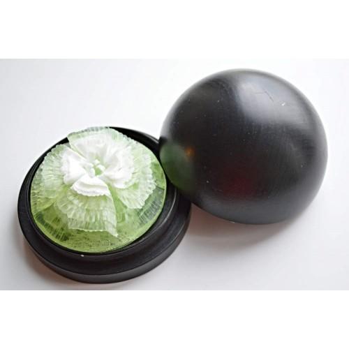 Vyřezávané mýdlo - Begonie - meduňka - dvoubarevné