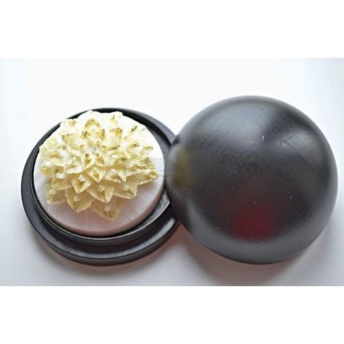 Vyřezávané mýdlo - Exotický květ - pozlacené