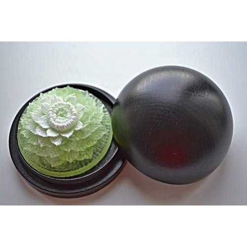 Vyřezávané mýdlo - Ibišek - meduňka - dvoubarevné